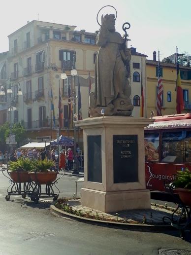 Tazzo Square