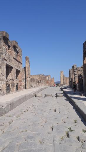 pompeii main street